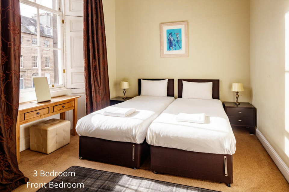 Apt 20/2: Bedroom