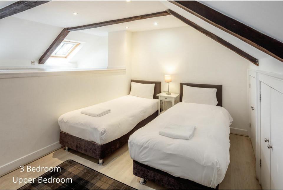 Apt 20/4: Bedroom