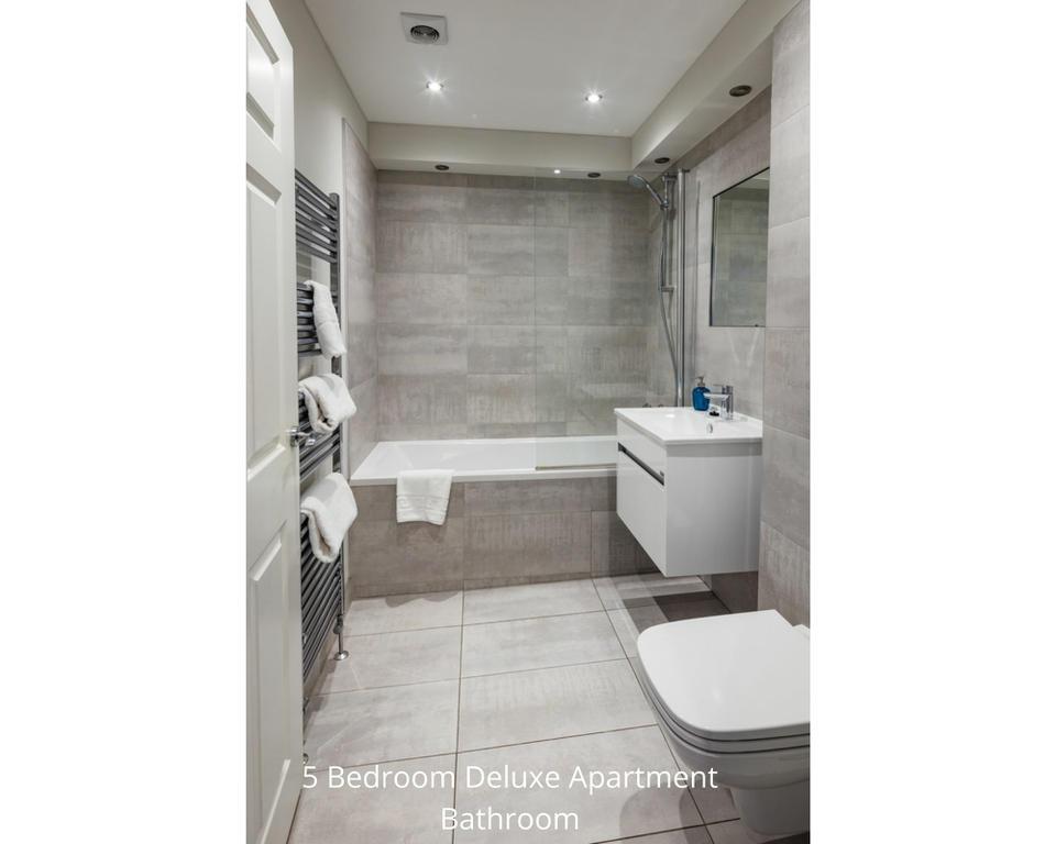 Apt 24/4: Bathroom
