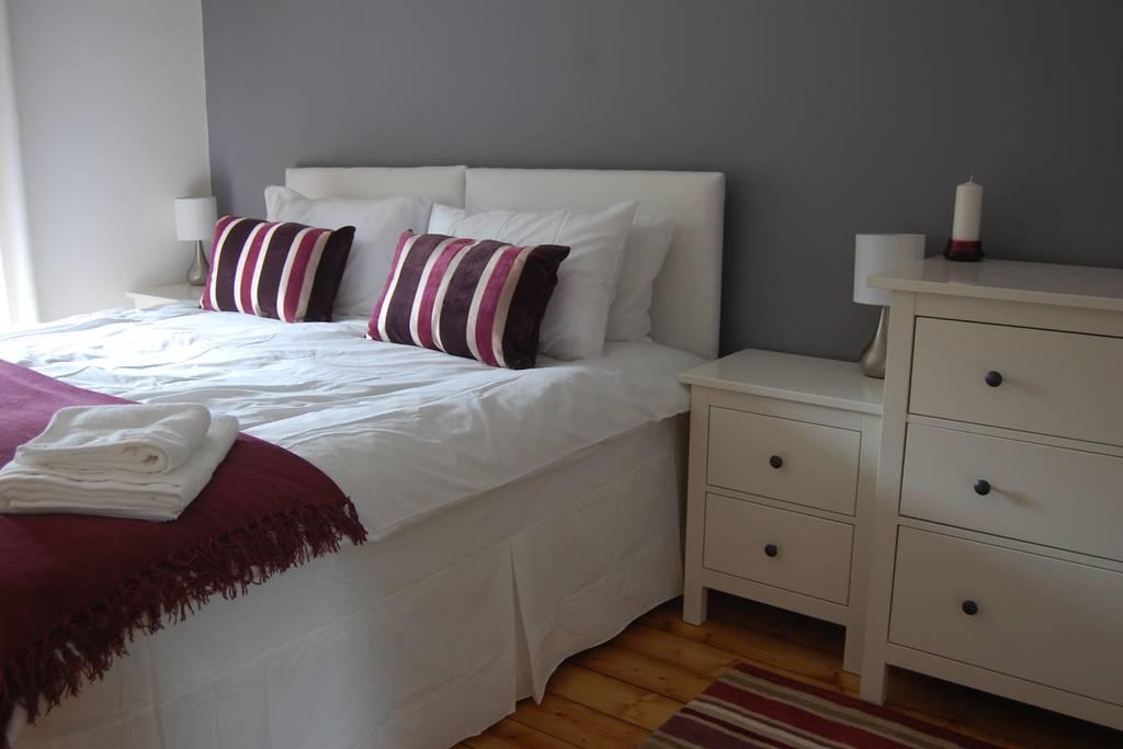 or Super King Bedroom