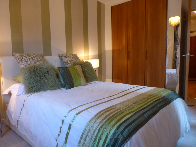 Bedroom with standard size double bed
