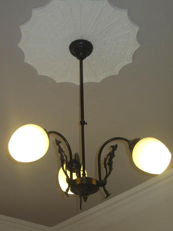 Light in main bedroom