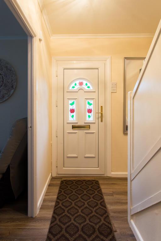 Entrance & Inner Stairwell