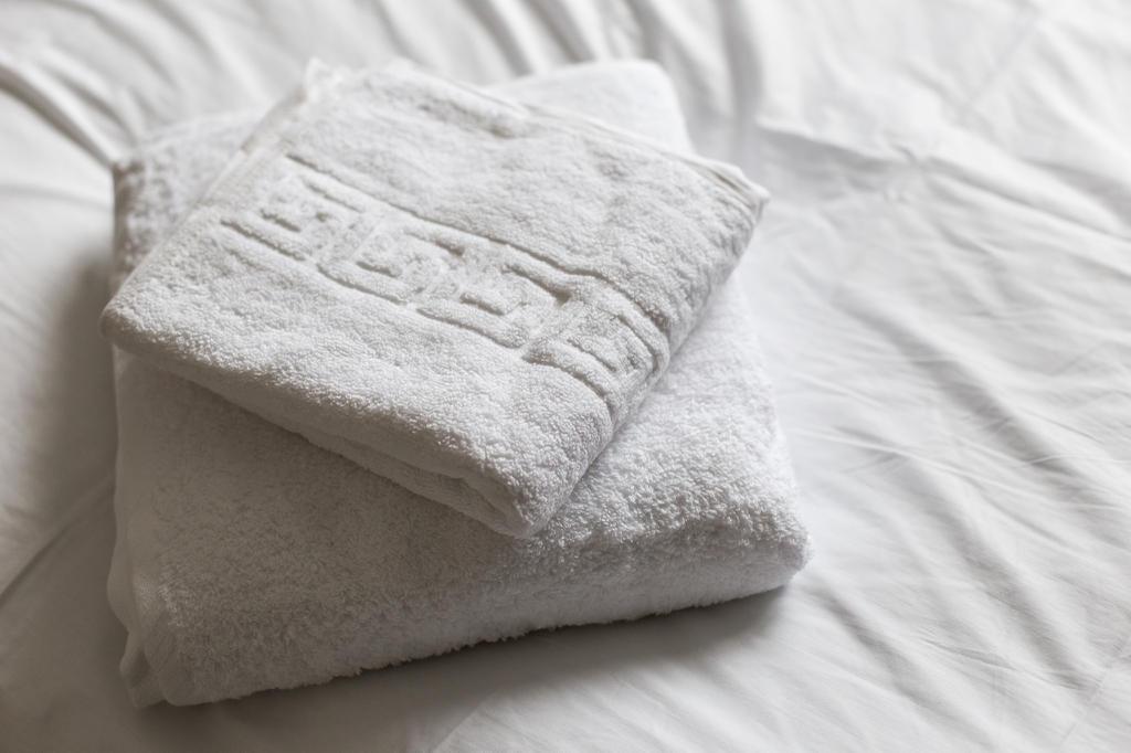 Towels & Linen