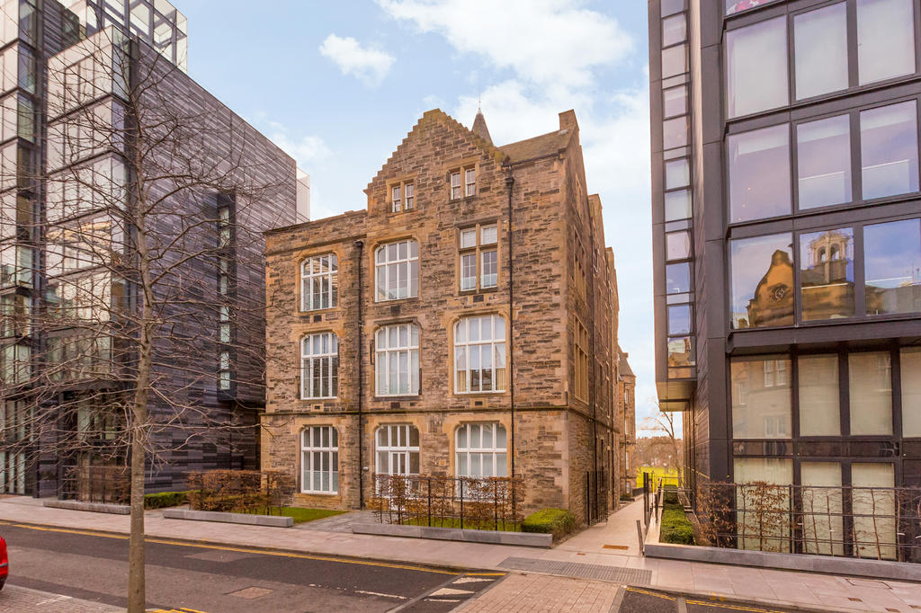Edinburgh Apartments: A Quartermile 2 Bed Apt, The Meadows
