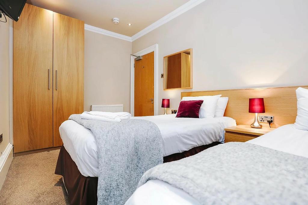 Bedroom 3 (with zip&link beds)