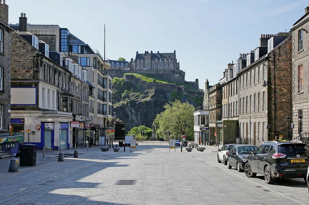 View of Edinburgh Castle from North Castle Street