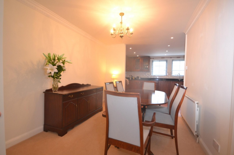 Opwn Plan Kitchen & Dining Room