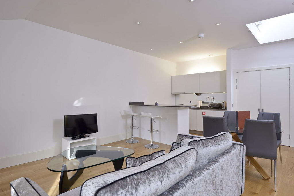 Edinburgh apartments st andrews square 2 bedroom for Square bedroom studio